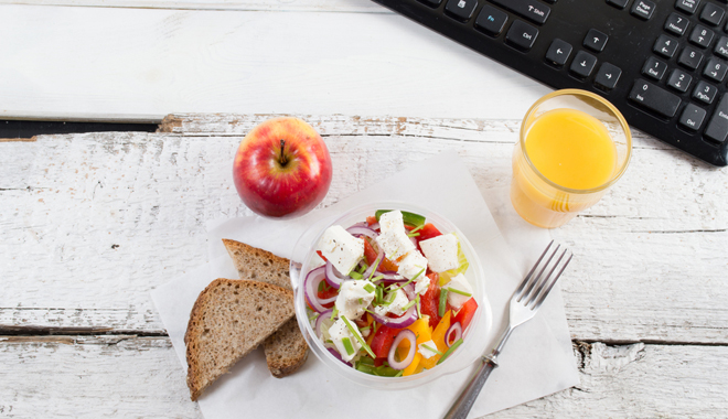 Un repas équilibré pour le améliorer le bien-être des salariés