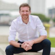 Julien NOWACZYK est le fondateur et le CEO d'onvabosser.fr