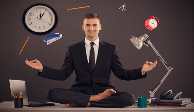 Quelques positions de yoga pour vous apprendre à rester zen dans le cadre de vos activités RH.