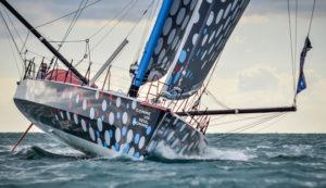 La bateau du skipper Eric Bellion COMMEUNSEULHOMME